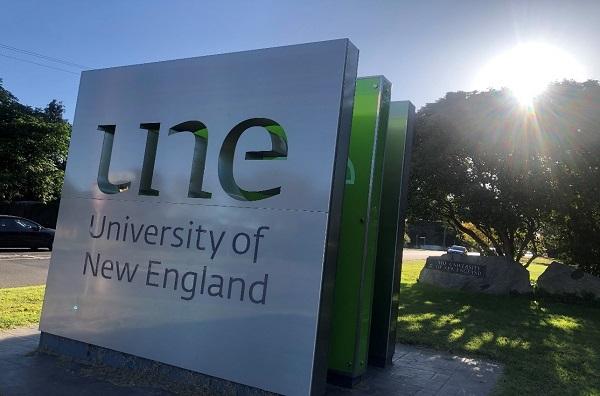 オーストラリア・ニューイングランド大学(UNE) に留学